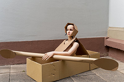 Dummy in cardboard box - p1625m2211953 by Dr. med.