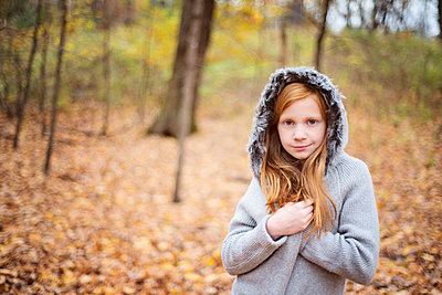 Young Red Hair Girl in sweater Outside in Fall. - p1166m2147039 by Cavan Images