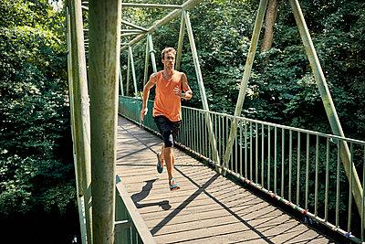 Running - p1200m1064654 von Carsten Görling