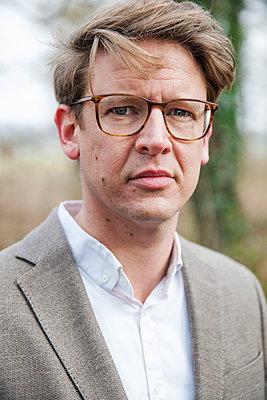 Mann mit Brille - p902m984123 von Mölleken