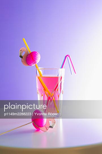 Flamingo straw - p1149m2288223 by Yvonne Röder