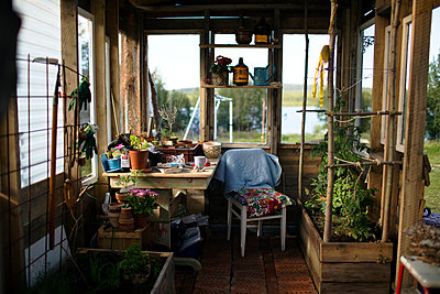 View of greenhouse - p312m1495722 by Fredrik Ludvigsson