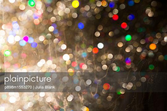 p898m1553270 by Julia Blank