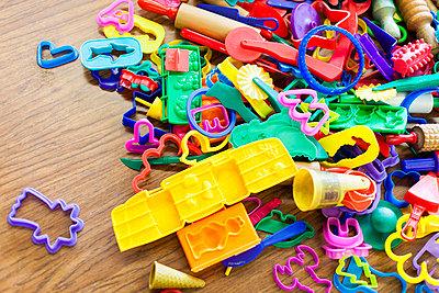 Toys - p756m813293 by Bénédicte Lassalle
