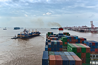 Container port in Shanghai - p915m2022168 by Michel Monteaux