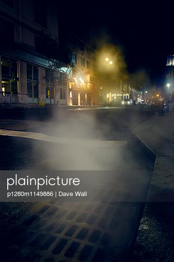 Straßenszene - p1280m1149886 von Dave Wall