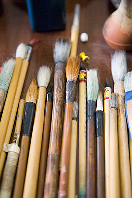 Variety of paintbrushes for calligraphy - p1213m1162634 by dianacoca