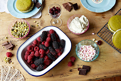 Berries, chocolate, pudding and nuts - p429m712201f by Debby Lewis-Harrison