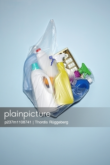 Plastikmüll - p237m1108741 von Thordis Rüggeberg