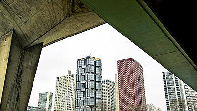 Hochhäuser in Paris - p743m1189986 von Stefan Freund