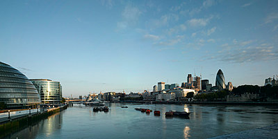 River Thames panorama from More London offices to the Tower of London, London - p8550453 by Richard Bryant
