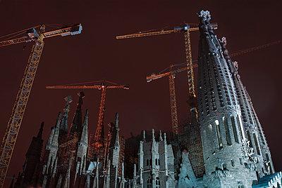 View of La Sagrada Familia at night - p429m884179 by Max Bailen