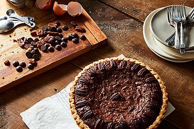 Pekannuss-Schokolade-Torte - p1379m1525435 von James Ransom