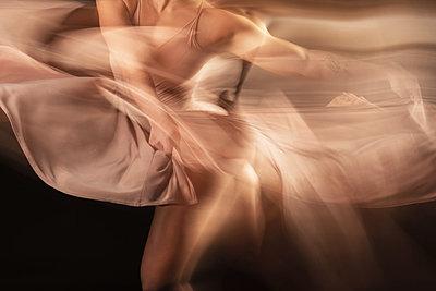 Dance - p1594m2159040 by Françoise Chadelas