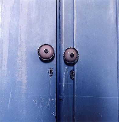 Old Closet (Detail)  - p4900644 by Jürgen Stein