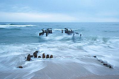 Rushing water - p1205m1020956 by Christina Anzenberger-Fink