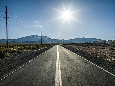Nevada, Solar panels - p1232m1041138 by Moritz Schmid
