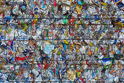 Waste - p719m1000589 by Rudi Sebastian