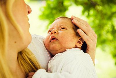 Baby - p904m1159694 von Stefanie Päffgen