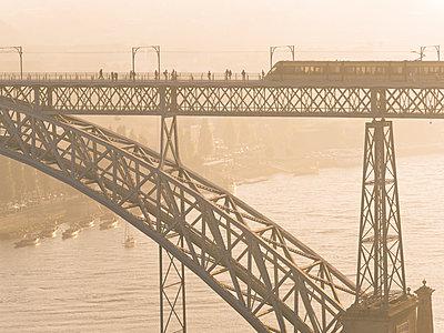 Portugal, Grande Porto, Porto, Luiz I Bridge and metro in the evening - p300m1081517f by Albrecht Weisser