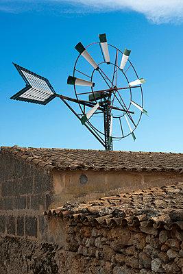 Windrad - p451m940560 von Anja Weber-Decker