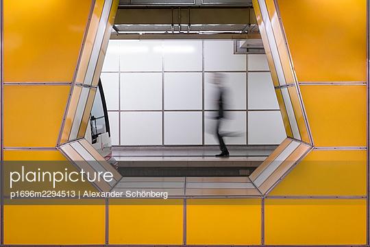 Subway in Hamburg - p1696m2294513 by Alexander Schönberg