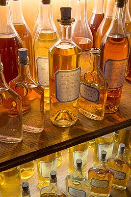 Alcohol - p1216m2260536 von Céleste Manet