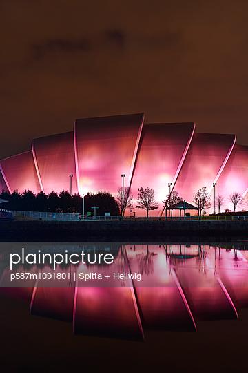 Glasgow - p587m1091801 by Spitta + Hellwig
