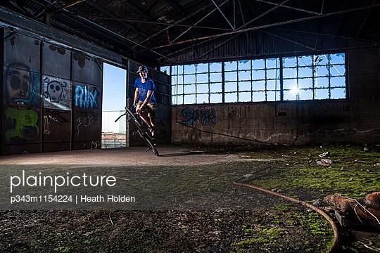 p343m1154224 von Heath Holden