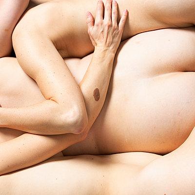 Group sex - p817m2278000 by Daniel K Schweitzer