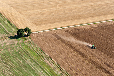 Agriculture I - p1079m885265 by Ulrich Mertens