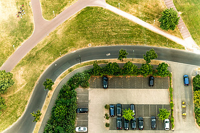 Germany, Duessseldorf, aerial view of a car park - p300m1191651 by A. Tamboly