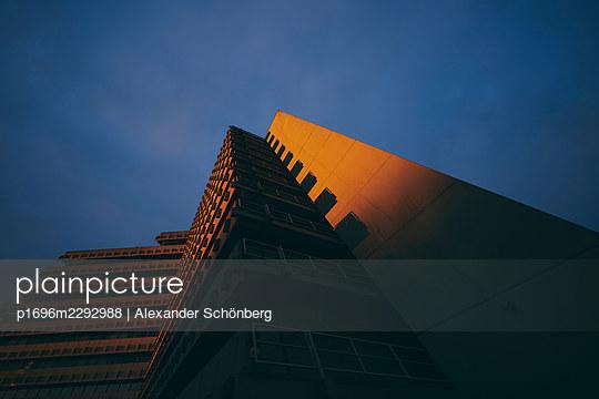 Highrise in the evening - p1696m2292988 by Alexander Schönberg