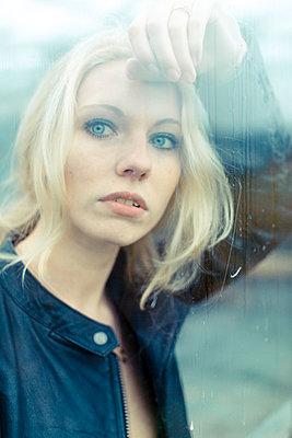 Blonde woman - p1076m951249 by TOBSN