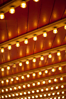 Leuchtend - p304m755996 von R. Wolf