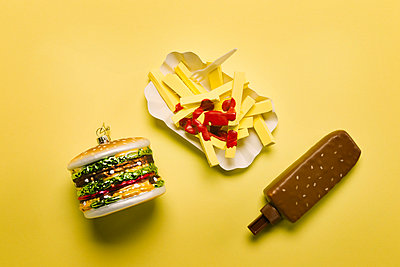 Fake food - p943m1333089 by Do-It-Studios
