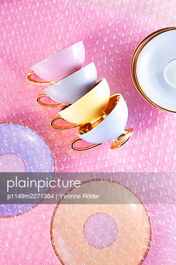 Tassen verpacken - p1149m2271384 von Yvonne Röder