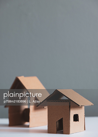 City planning, model, two uninhabited houses - p758m2183896 by L. Ajtay