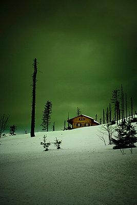 Ski ressort - p2481178 by BY