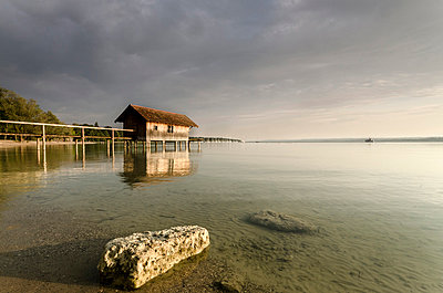 Germany;  Bavaria;  Ammersee on an cloudy summerday - p300m838567f by Michael Bottari