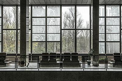 Public Seating  - p1082m1564374 by Daniel Allan