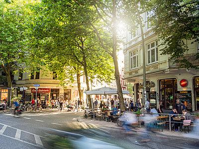 Sommer im Schanzenviertel - p536m1362122 von Schiesswohl