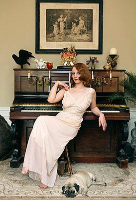 Dressed up - p964m1042699 by Sandrine Elberg