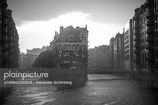 Fleetschlösschen - p1696m2293048 by Alexander Schönberg