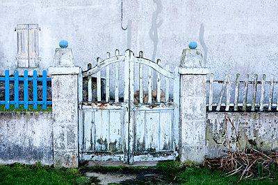 Old garden gate - p9400082 by Bénédite Topuz