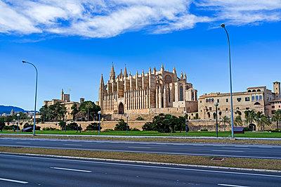 Die Kathedrale der Heiligen Maria in Palma de Mallorca - p177m1214596 von Kirsten Nijhof