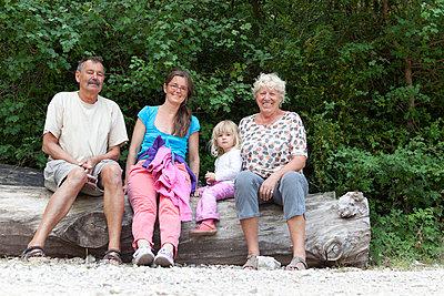 Familienausflug - p505m1108411 von Iris Wolf