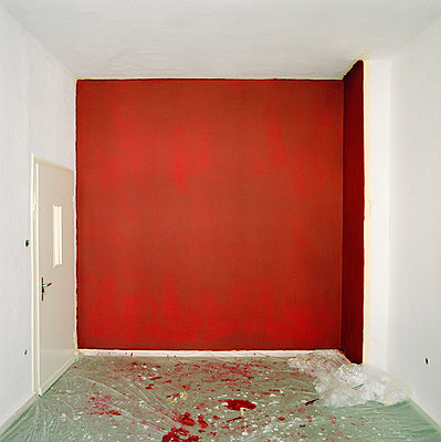 Red wall - p2500461 by Christian Diehl