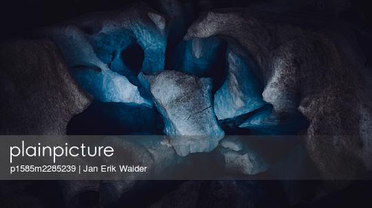 Glacier - p1585m2285239 by Jan Erik Waider