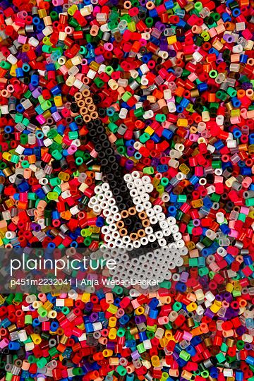 p451m2232041 by Anja Weber-Decker